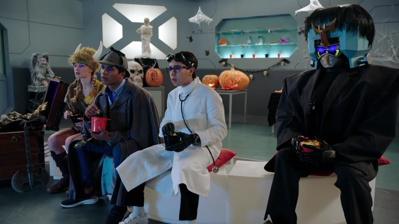 "Recap: Power Rangers Beast Morphers, Halloween Special – ""I found us a film to watch on this weird streaming service."""
