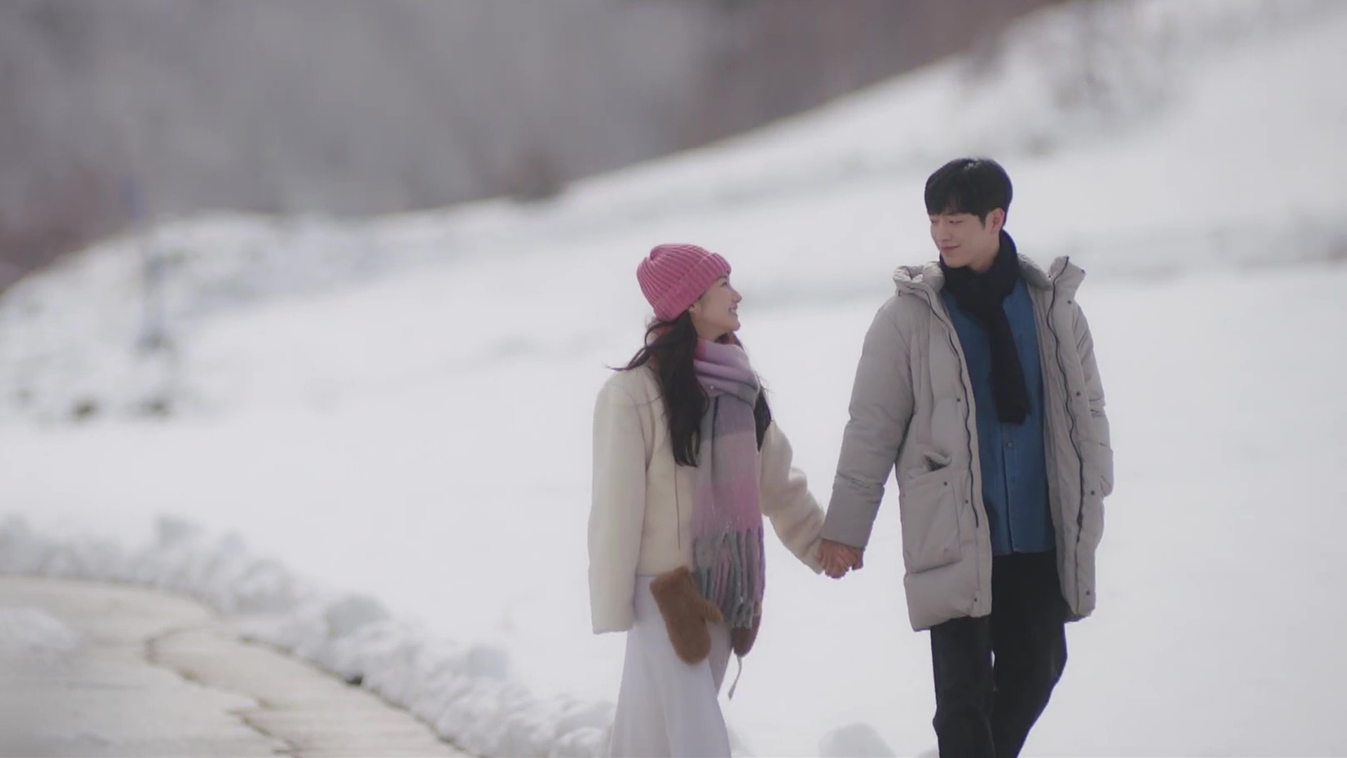 "Good Ol' Review: Seo Kang Joon and Park Min Young Shine in Dramatic, Dreamlike ""When the Weather is Fine"""